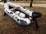 Quicksilver Boot mit Benzin- und