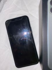 iPhone 11 Pro in nachtgrün
