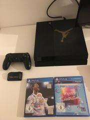 Playstation 4 mit Zubehör siehe