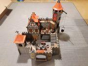 Große Playmobil Ritterburg mit Zubehör
