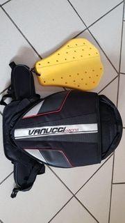Vanucci Rucksack mit dazugehörigen Rückenprotekor