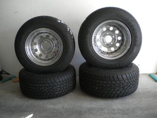 Pickup Räder Reifen Felgen P275
