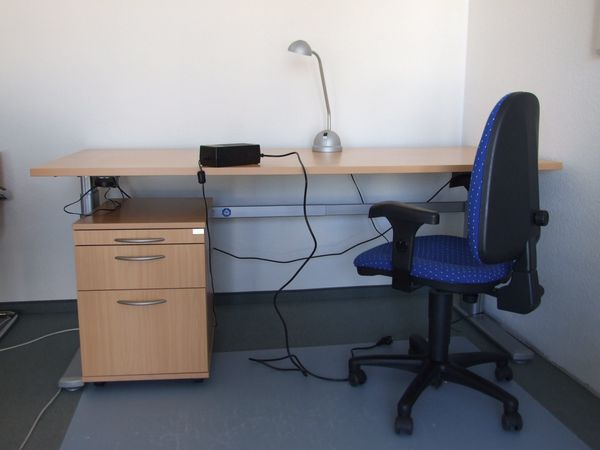 Schreibtische elektrisch höhenverstellbar