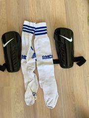 Nike Schienbeinschoner und Stutzen