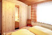 2 Schlafzimmer Bett Kasten und