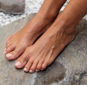 Suche Zahlsklaven Finsub und Fußfetischisten