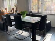 Essecke mit 4 Stühlen Eckbank