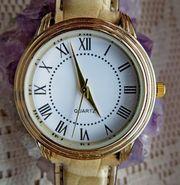 Schöne Damen-Armbanduhr sehr gut ablesbar mit