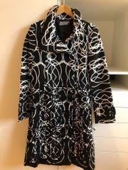 Desigual Mantel schwarz weiß Gr