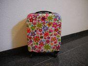 Koffer von Check In Blumen
