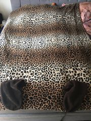 Kuscheldecke Mit Füße Leopard Muster