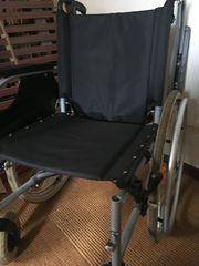 Leichgewicht-Rollstuhl Aluminium mit Fußstütze