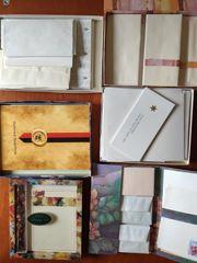 Briefpapier und Umschläge an Liebhaber