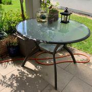 Gartentisch mit 3 Stühlen und