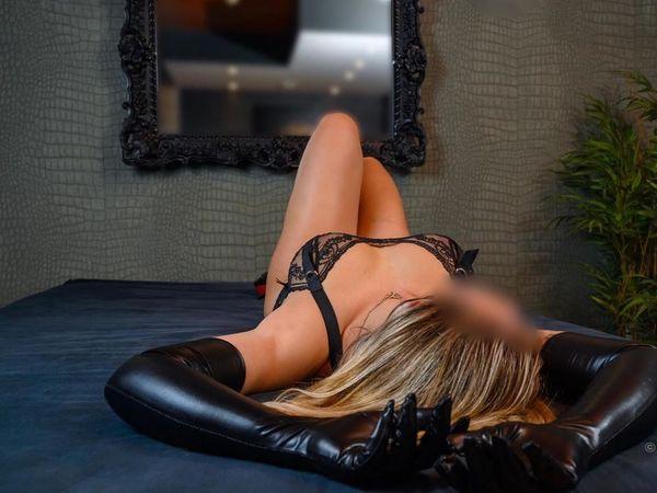 Erotische Massagen bei Mia