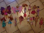 12 Mattelpuppen auch Barbies und