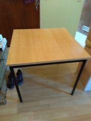 Robuster Tisch