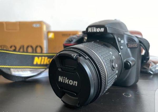 Nikon D3400 DSLR-Kamera + optisches NIKKOR 18-55 mm 1: 3, 5-5, 6 G