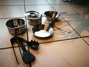 Geschirr aus Metall für Puppenküche