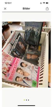 CDs DVDs bunt gemischt