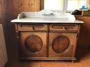 Alter antiker Waschtisch mit Marmorplatte