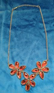 Schöne Halskette Metall mit Kunststeine