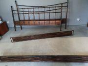 Doppelbett aus Metall kupferfarben