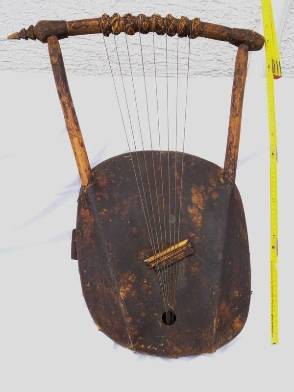Wunderschönes original afrikanisches Musikinstrument