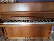 Klavier Wagner mit Hocker