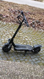Forca E-Scooter mit Doppelmotor