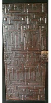 Schöne Haustür mit Kupferinnenblatt