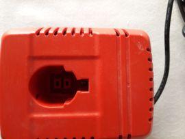 Werkzeuge, Zubehör - Black Decker Ladegerät