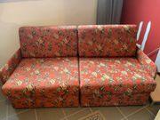 Zwei Sitzer Sofa frisch bezogen