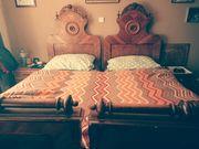Wunderschönes altes Bett inkl Lattenrost