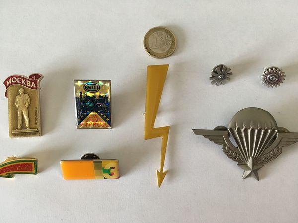 PINS 8 verschiedene Pins