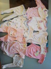 Getragene Babykleidung Größe 50 und