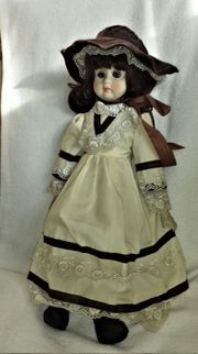 Puppe Porzellan Keramik braunhaarig 50ger