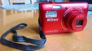 rote Canon-Digitalkamera