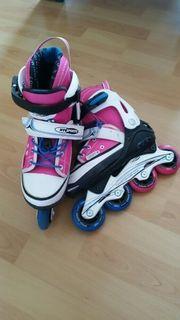 Kinder Inline Skates und Helm
