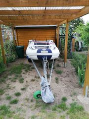 Bootstrailer und Schlauchboot günstig zu