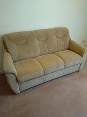 sehr gut erhaltene 3sitzer Couch