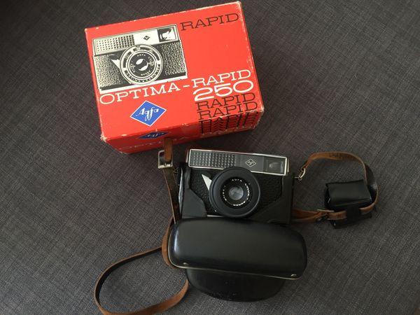 verschiedene alte Fotoapparate aus Sammlung