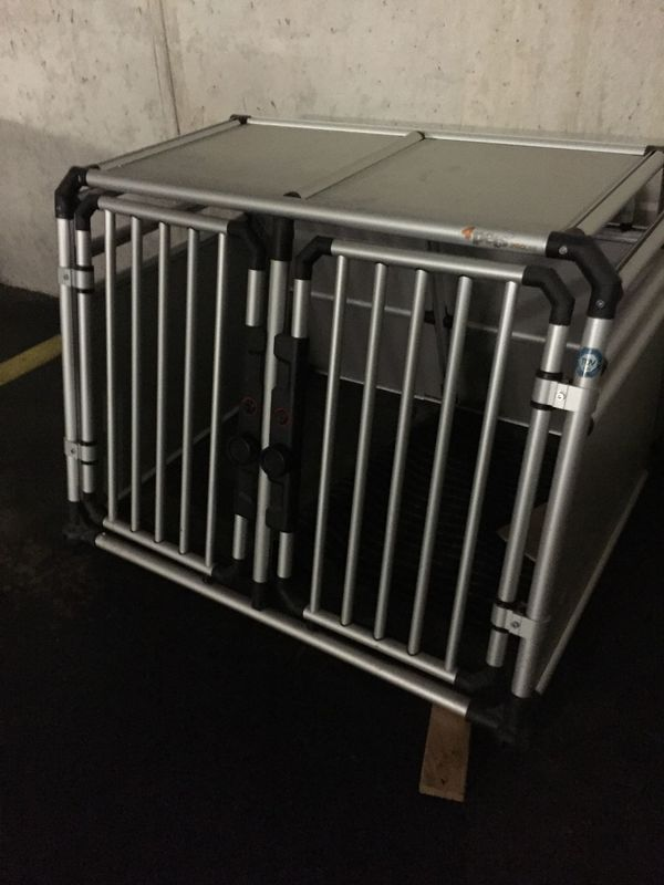 Verkaufe Hundetransportbox 4pets PRO M