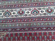 Wunderschöner Teppich mit Zertifikat 250
