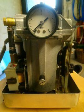 Elektro, Heizungen, Wasserinstallationen - Heizölpumpe-Öldruckspeicher Eckerle KD 10