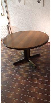 Runder Tisch mit Einlegeböden