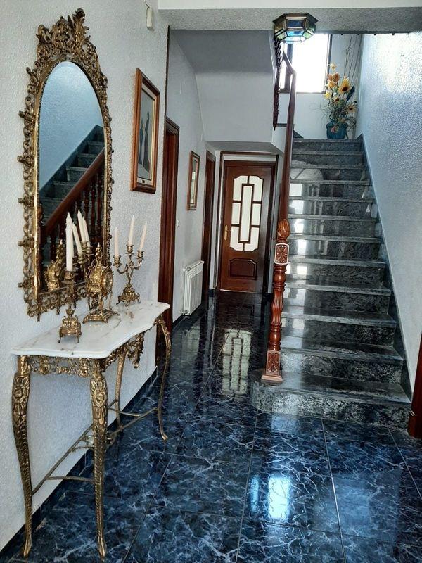 Privatverkauf Möbliertes Dorfhaus in Sabiote