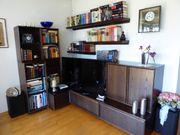 Vielseitig einsetzbare Wohnzimmerwand