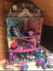 Monster-High-Haus