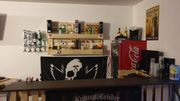 Selbst gebaute Bar mit Loungecke